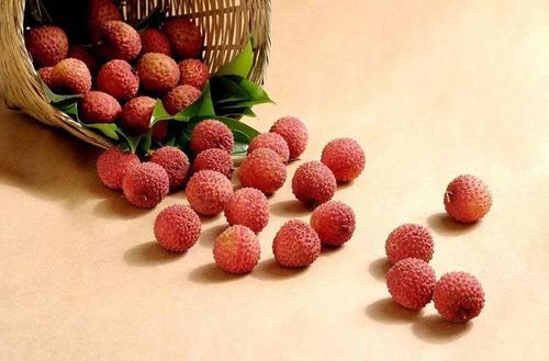 荔枝吃多了会导致低血糖吗