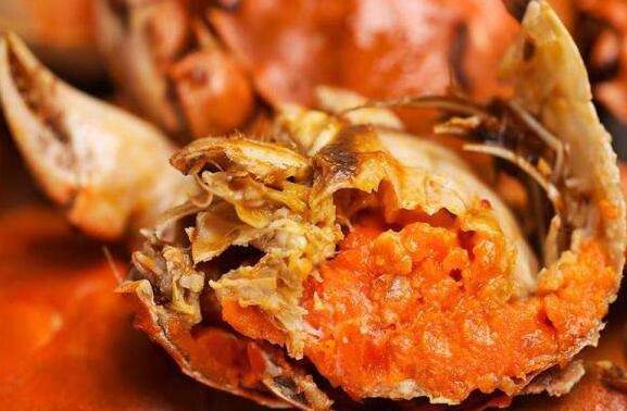 吃螃蟹可以喝酒吗