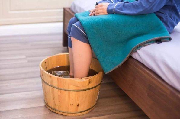 三伏天怎么泡脚去湿气