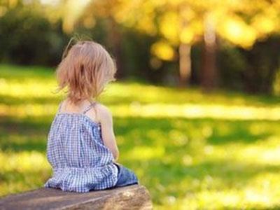自闭症儿童是什么原因造成的