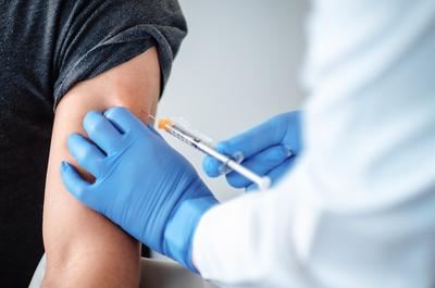 中国疫苗接种率远低于英美国家