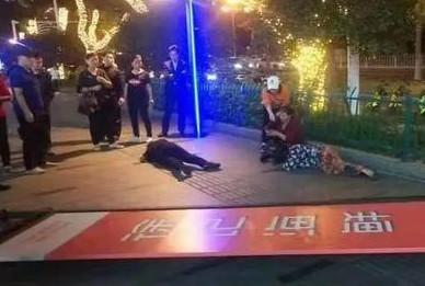 山西太原一广告牌坠落致一人死亡1