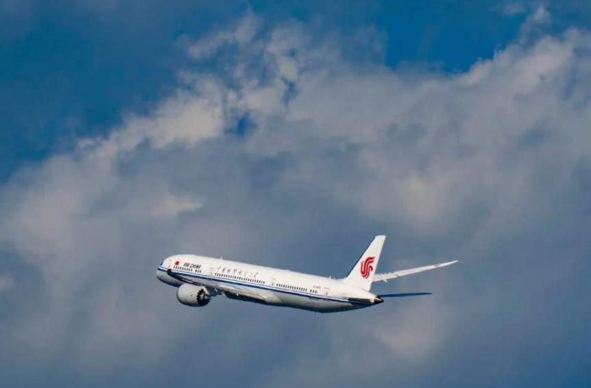 民航局:4月份旅客运输量同比增长205.5%(图)