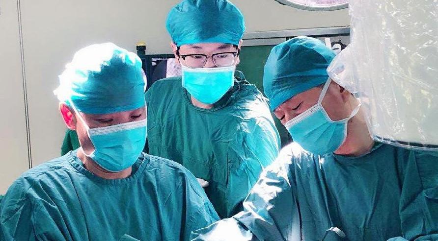 民航总医院骨科成功为103岁股骨粗隆间骨折老人完成手术治疗1