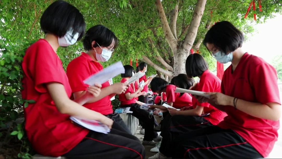张桂梅再送150名女高学生高考