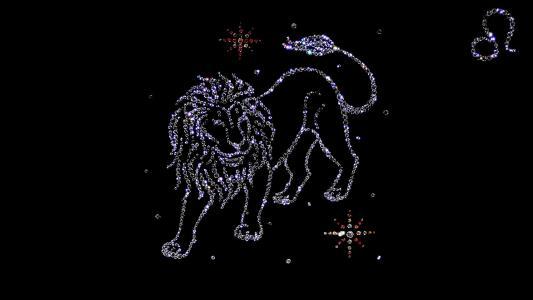 让狮子男低头的星座女