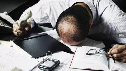 员工加班猝死公司承担20%责任
