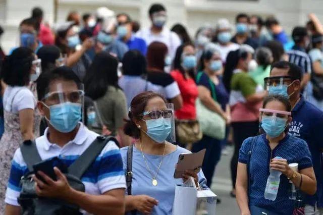 马来西亚一接种点近半工作人员确诊
