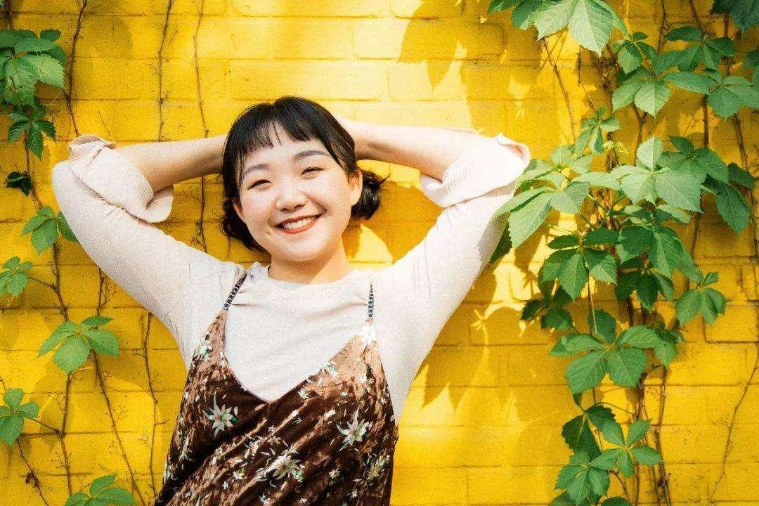 辣目洋子是日本人吗