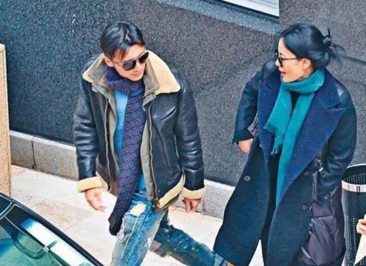 王菲48岁产子是男是女