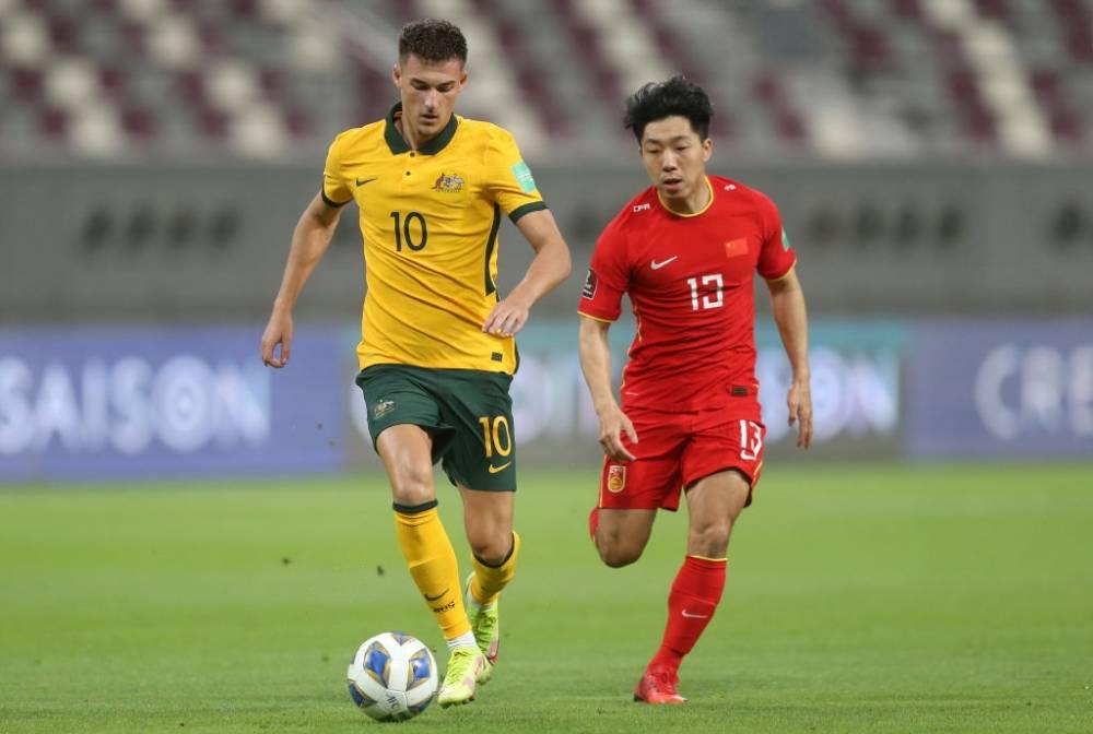 12强赛首战国足0-3不敌澳大利亚