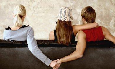 丈夫签下忠诚协议后出轨 妻子索赔