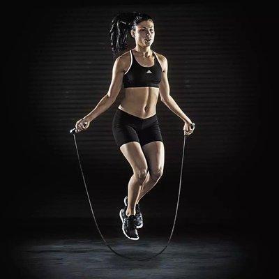 30岁女子每天跳绳1000个致骨折