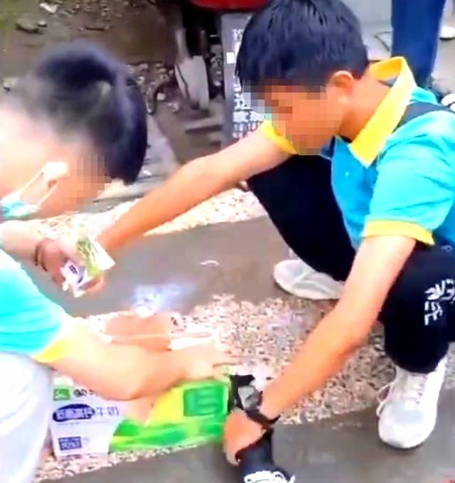 学生连喝11瓶奶涉事校长被约谈