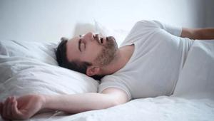 打呼噜的人为何吵不醒自己_打呼噜声音特别大怎么治疗